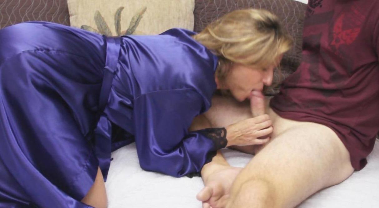 Orgasmos De Virgenes vende un video de su cono virgen | hambredesexo